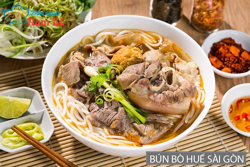 Bún bò Huế ở Sài Gòn