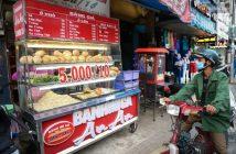 Quán bánh mì 5 ngàn ở Sài Gòn: Thông điệp tình người ấm áp