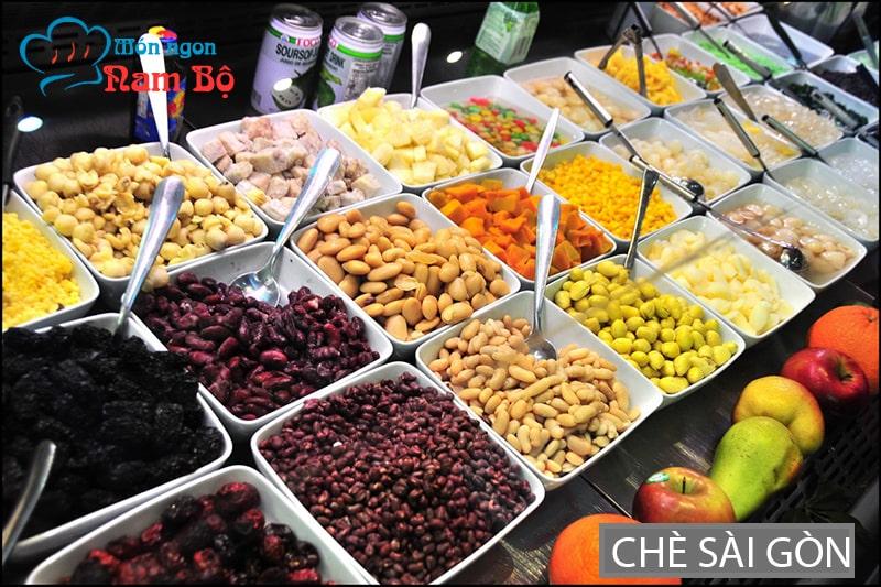 Chè luôn được nhắc đến trong những danh sách món ăn vặt ngon ở Sài thành