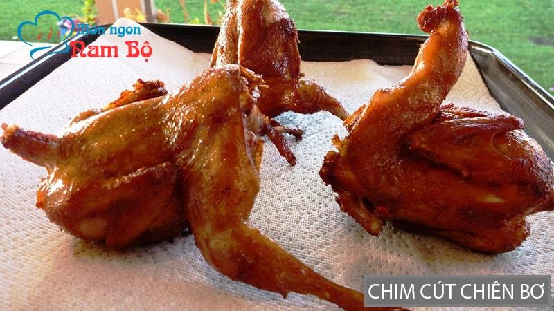 Chim cút chiên bơ là món ăn vặt rất hấp dẫn ở Sài Gòn