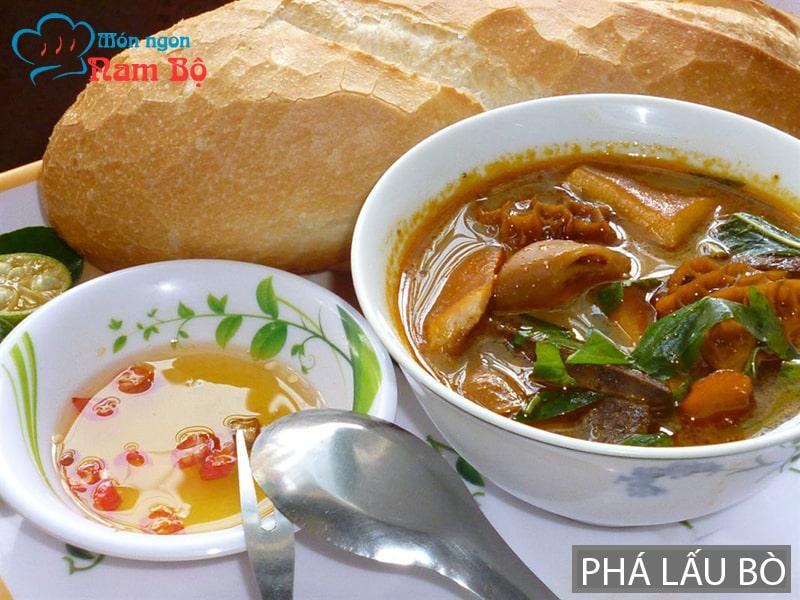 Phá lấu bò là món ăn nổi tiếng ở Sài Gòn cho ngày mưa gió