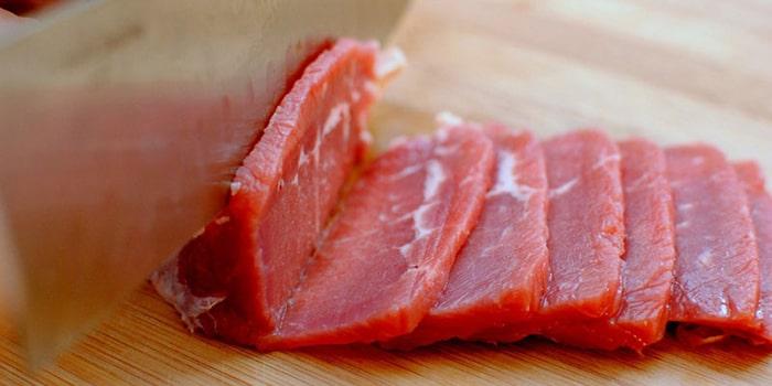 Những loại thịt màu đỏ tuyệt đối cấm đối với người bệnh cơ xương khớp
