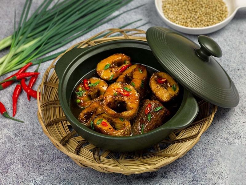 Nói đến ẩm thực miền đồng bằng Nam Bộ thì không thể không nhắc đến canh chua, cá kho tộ