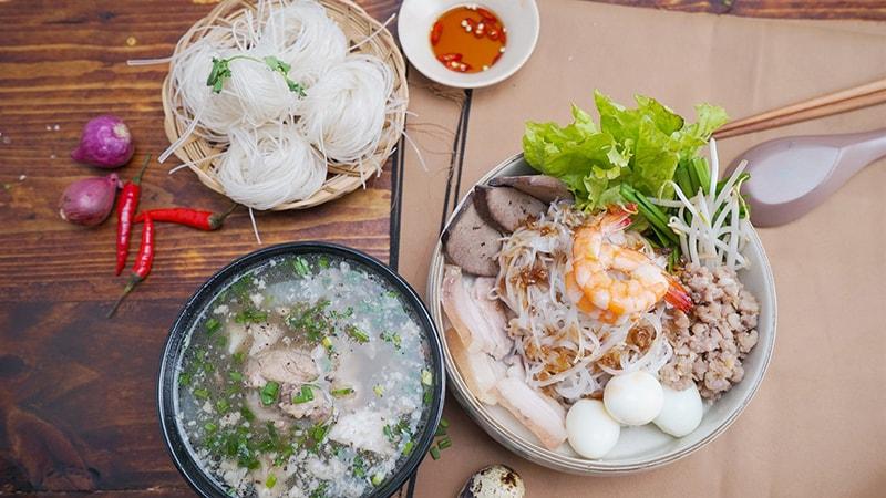 Hủ tiếu Nam vang là một trong những món ngon bạn nhất định phải thử khi có dịp dạo chơi Sài Gòn