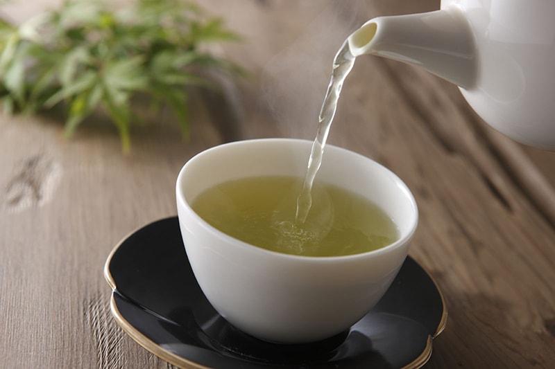 Thưởng thức trà xanh