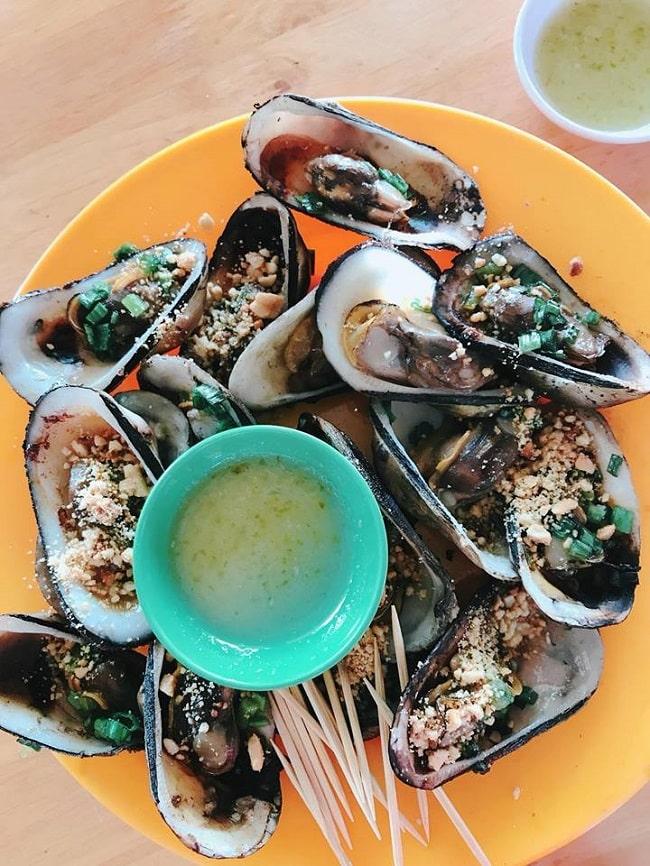 Hải sản nướng là món ăn không thể bỏ qua khi du lịch Phan Rang