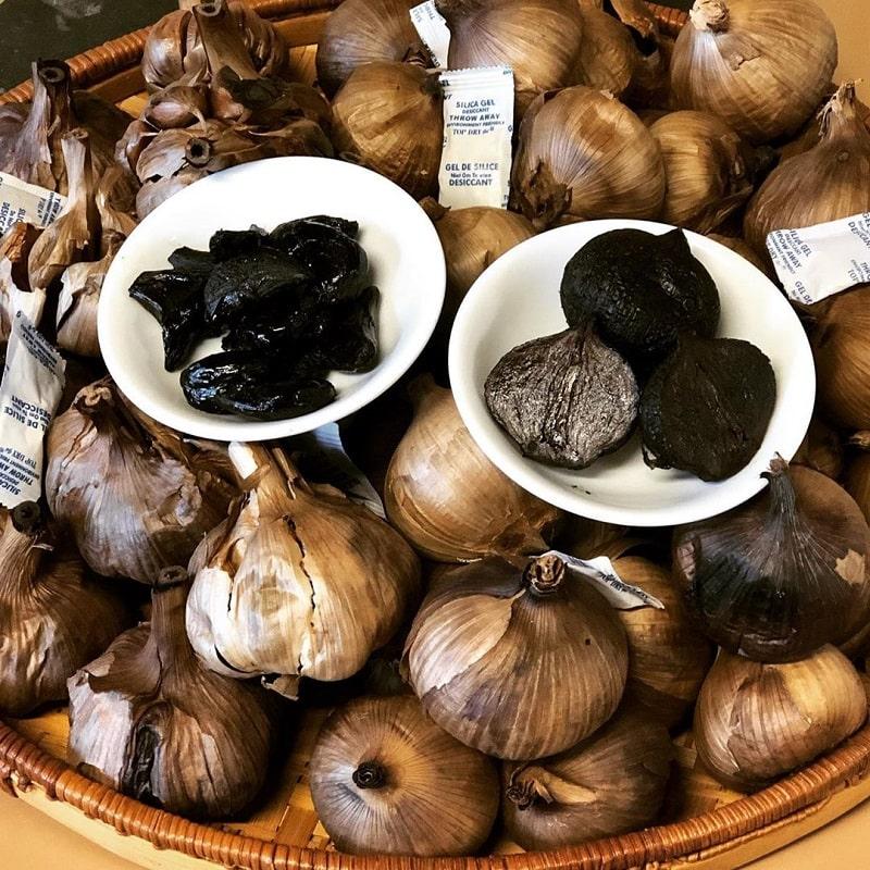 Tỏi đen cô đơn Phan Rang là món ăn không thể bỏ qua khi du lịch Phan Rang