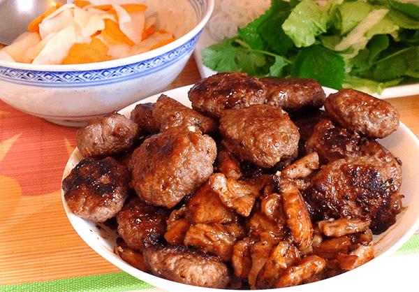 Bún chả Đồng Xuân là 1 trong những quán đặc sản Hà Nội ở Sài Gòn