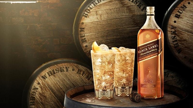 Johnnie Walker là thương hiệu rượu whisky nổi tiếng dễ mua, dễ uống và có số lượng bán ra lên đến 130 triệu chai mỗi năm